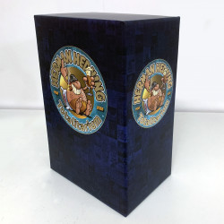 Totalitarium (samlingsbox att fylla med vad du vill)